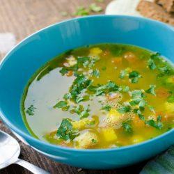 Zuppa imperiale: la ricetta del primo piatto emiliano a base di semolino
