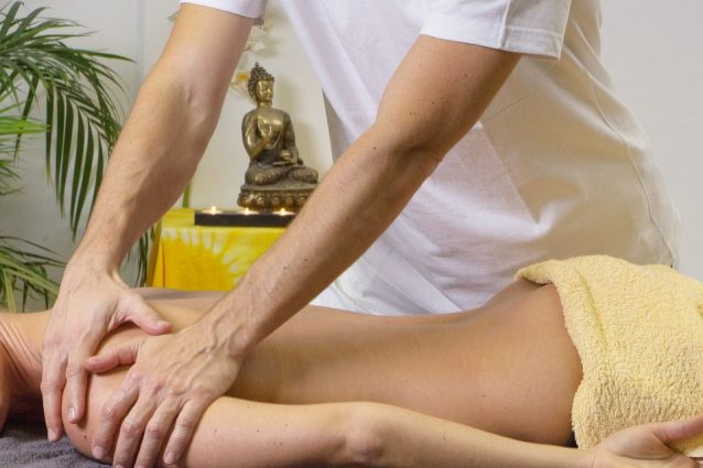 Ecco i motivi per cui un uomo dovrebbe fare un massaggio alla sua donna