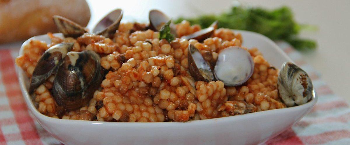 Fregola con arselle: la ricetta originale della specialità sarda