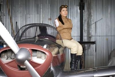 Il primo pilota senza braccia al mondo condivide la sua storia di ispirazione a Milano