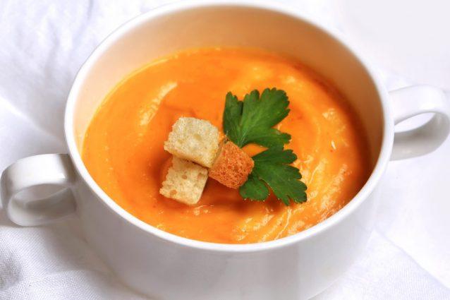 Crema di zucca e patate: la ricetta delicata facile da preparare