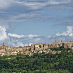 Il borgo di Montepulciano in Toscana